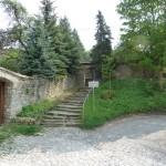 Unterer Eingang zum Friedhof